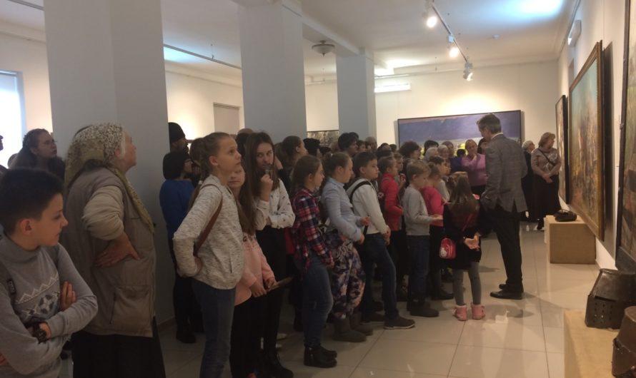 Завершает свою работу выставка картин в Краснодаре. 9 апреля 2019.